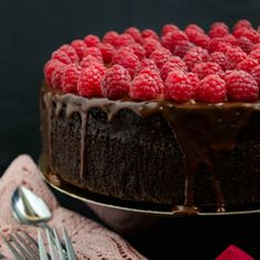 This chocolate mud cake is incredibly moist and rich and so delicious with those delicate, fresh, fragrant raspberries.