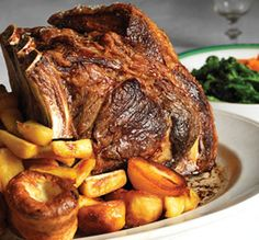 Try something different on your AGA heat-storage cooker with our recipe ideas - Good Old Sunday Roast. View our AGA recipes & cook with your AGA cooker today. Yorkshire Pudding Ingredients, Yorkshire Pudding Batter, Aga Recipes, Irish Recipes, Cooking Recipes, Family Vegetarian Meals, Family Meals, Family Recipes, Roast Dinner