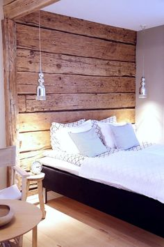 Divide a space. Wood on ceiling instead? Modern Cabin Interior, Interior Design Living Room, Cottage Design, House Design, Cottage Interiors, Log Homes, Sweet Home, Bedroom Decor, Ceiling