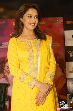 Madhuri and Juhi Promote Gulaab Gang -- Madhuri Dixit Picture # 255305 Bollywood Bikini, Bollywood Actress, Gulaab Gang, Silk Saree Blouse Designs, Madhuri Dixit, Indian Film Actress, Indian Suits, Celebs, Celebrities