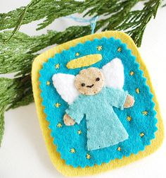 Angelically Easy Felt Ornament | AllFreeHolidayCrafts.com - This would be fun to do with the younger grandkids