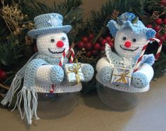 Live from the Crochet Awesomeness Linky Party! Christmas Crochet Pattern Ornament Covers Snow Couple - Instant Downloadable PDF Pattern