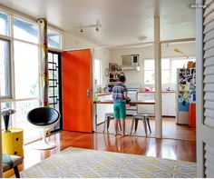 Great entry idea for small home via http://www.houzz.com/ideabooks/49990790?utm_source=Houzz&utm_campaign=u1401&utm_medium=email&utm_content=gallery18