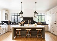 Tour a Nate Berkus and Jeremiah Brent house flip and our favorite weekend sales and shopping on Design Chic today. Nate Berkus, Layout Design, 2020 Design, Kitchen Dining, Kitchen Decor, Kitchen Ideas, Kitchen Cabinets, Corner Cabinets, Kitchen Planning