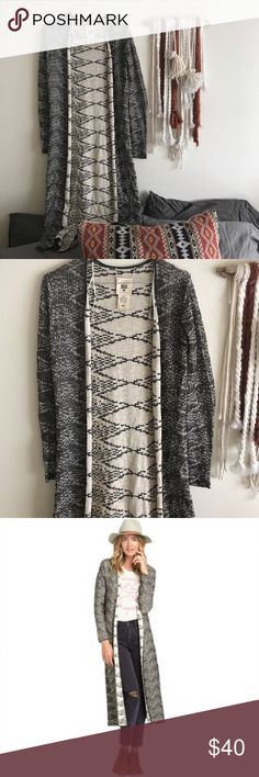 Billabong Diamond Duster Sweater This long duster sweater is super lightweight and great for any spring or summer day. It's never been worn but is missing the tags. It's in perfect condition. Billabong Sweaters Cardigans