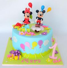 Tort Mickey and Minnie – Tort Design - birthday Cake White Ideen Pastel Mickey, Mickey And Minnie Cake, Mickey Mouse Cookies, Bolo Minnie, Mickey Cakes, Half Birthday Cakes, Boys First Birthday Cake, Minnie Mouse Birthday Cakes, Mickey Mouse Clubhouse Birthday Party