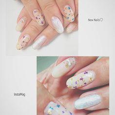 . ネイルチェーーーーーンジ💅✨ 押し花にしました。 お花滅多にやらないけど、春なので笑 相変わらずの紫と青。 やっぱりこの組み合わせ可愛い。 あとは濃いめの紫とオフホワイトのお花の組み合わせもいい!! オレンジと水色に関しては組み合わせが可愛かったからやったらちょっと元気すぎた😂 . I changed my nails. Blooming many flowers on my nails 💐 Cuz spring is coming sooooon!!! . #gelnails#nails#nailstagram#nailart#selfnail#ネイル#ジェルネイル#ネイルアート#セルフネイル#ミスミラージュ#missmirage#abgel#押し花ネイル#dryflowernail#dryflower#押し花 #青と紫が好き #お花って柄じゃないけど #押し花は好き #桜意識してピンクのお花乗せたけど #やっぱりピンクってキャラじゃない😂って取った #この色合いjumpなお友達に見せたら笑ってた😇笑 #ってことでこのタグもつけとく #heysayjump…
