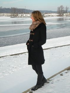 If you're tired of winter, add some fun accessories to update a favorite wool coat:) www.audreysalutes.com