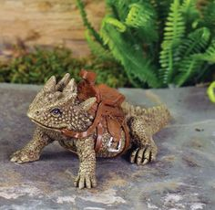 Miniature Garden Horned Toad Lizard SPIKE w/Saddle / Dollhouse Fairy 17239 Animal Garden Ornaments, Garden Ornaments For Sale, Dragon Garden, My Fairy Garden, Garden Art, Garden Ideas, Horned Lizard, Create A Fairy, Woodland Creatures