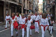 cosasdeantonio: Estampas Sanfermineras - IV Concentración de Joter... Pamplona, Street View, September