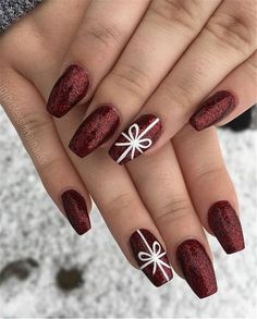 43 Fantastic Christmas Nail Art Designs To Spice up Holiday Season Loading. 43 Fantastic Christmas Nail Art Designs To Spice up Holiday Season Fall Nail Art Designs, Christmas Nail Art Designs, Holiday Nail Art, Winter Nail Art, Burgundy Nail Designs, Winter Nails 2019, Nail Ideas For Winter, Winter Acrylic Nails, Holiday Nail Colors