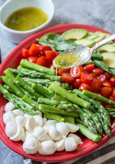 Grab the printable shopping list & meal plan with net carb counts and enjoy great recipes like Asparagus Caprese Salad! Keto Cabbage Recipe, Best Asparagus Recipe, Grilled Asparagus Recipes, Cabbage Recipes, Avocado Recipes, Salad Recipes, Keto Recipes, Atkins Recipes, Camping Recipes