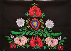 A traditional Hand Embroidered Hungarian pillow case. Designe is hand embroidered Material cotton, in Hungary called Napszövet, embroidered with cotton yarn. Flower Embroidery Designs, Floral Embroidery, Flower Designs, Vintage Table Linens, Embroidered Apron, Old Pillows, Hungarian Embroidery, Vintage Tags, How To Make Pillows