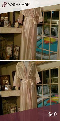 VINTAGE LORRAINE CREAM PINK YELLOW DRESSING GOWN BEAUTIFUL IN GREAT CONDITION 💯% NYLON lorrane Intimates & Sleepwear Pajamas