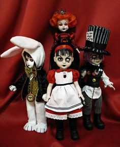 Living Dead dolls - Alice in Wonderland - I need these and way more to make up my collection!!!