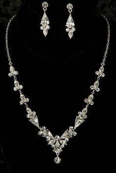 Silver Pear Shaped Rhinestone Formal Wedding Bridal Necklace Earring Jewelry Set