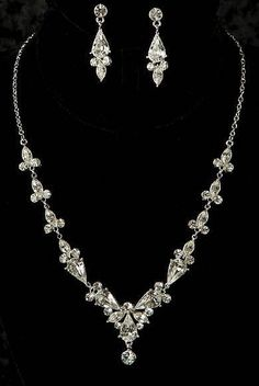 Silver Pear Shaped Rhinestone Formal Wedding Bridal Necklace Earring Jewelry Set