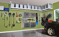 Étagères de rangement généraux de bricolage dans le garage