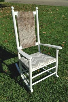 We Can Make Anything: rocking chair redo Rocking Chair Redo, Rocking Chair Cushions, Outdoor Rocking Chairs, Diy Chair, Painting Wicker Furniture, Outdoor Furniture, Furniture Ideas, Chair Repair, Old Wicker
