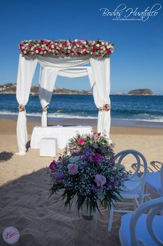 Hermoso gazebo para tu ceremonia en playa. Bodas Huatulco.