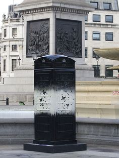 LONDON! Why u have Doctor Who TARDIS celebration when I'm not there!