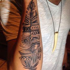 Pluma tattOO puntillismo tatuaje