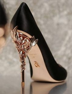 Your high heels questions answered. What is the difference between stilettos and high heels. Why are high heels called pumps. Does wearing high heels tone your legs. Can wearing heels cause hip pain Pretty Shoes, Beautiful Shoes, Cute Shoes, Me Too Shoes, Women's Shoes, Shoe Boots, Platform Shoes, Fancy Shoes, Shoes Sport