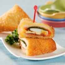 ROTI TAWAR GORENG ALA PICNIC ROLL http://www.sajiansedap.com/recipe/detail/8015/roti-tawar-goreng-ala-picnic-roll