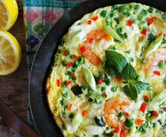 Spring frittata with lemon, shrimp and peas Frittata, Baking Recipes, Healthy Recipes, Healthy Food, Lunch To Go, Quiches, Tapas, Healthy Life, Good Food