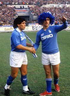 The history of football Pics) Diego Armando, My Dream Team, Professional Football, Football Players, Fifa, Soccer, Running, History, Sweatshirts