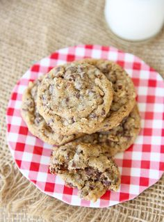Copycat Double Tree Hotel Cookies.  Hearty, Chewy, Soft, Chocolate-y Perfection.