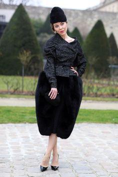 I continue to have a massive style crush on Ulyana Sergeenko ♥ Fur Fashion, Fashion Books, Fashion Photo, Paris Fashion, Cool Street Fashion, Street Style, Mcqueen, Fur Skirt, Ulyana Sergeenko