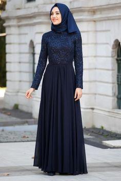 please msg or whatsapp at 0169179180 for order details. Muslim Women Fashion, Islamic Fashion, Abaya Designs, Abaya Fashion, Fashion Dresses, Abaya Mode, Hijab Dress Party, Modele Hijab, Hijab Fashionista