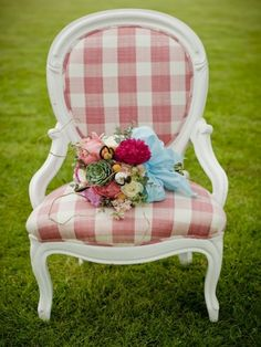 Camille White Victorian Chair from Vintage Ambiance French Living Rooms, French Country Living Room, Nursery Furniture, Living Room Furniture, Painted Furniture, Comedor Shabby Chic, Mismatched Furniture, Victorian Chair, Shabby Chic Pink