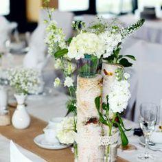 Hochzeit Dekoration 01 gruen weiss vintage natuerlich elegant Jute Spitze Birke Blumenbouquet Gesteck Hortensie