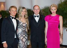 Los Grimaldi se sube al podio del 'glamour' en la gala del Gran Premio de Mónaco #royalty #realeza