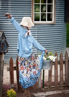 There is not a lot of information out there about turning an old grain silo into an outdoor kitchen so I thought I would share Garden Whimsy, Garden Junk, Lawn And Garden, Garden Crafts, Garden Projects, Make A Scarecrow, Scarecrow Ideas, Scarecrows For Garden, Raised Garden Beds