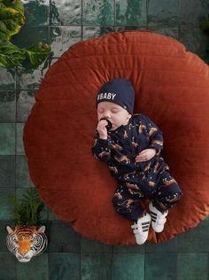 Hoe CUTE! Deze babyboy slaapt in ieder geval in stijl deze winter! #z8 #babymode #baby #jongens #luipaard #boyslook #leopard #print #trend Baby Outfits, Baby Car Seats, Bomber Jacket, Children, Prints, Jackets, Winter, Fashion, Fashion Trends
