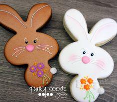 Easter bunny cookies by Funky Cookie Studio Plain Cookies, Cute Cookies, Easter Cookies, Birthday Cookies, Cake Pops, Easter Biscuits, Iced Sugar Cookies, Galletas Cookies, Cookie Decorating
