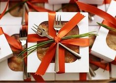 Pretty packaging for a treat box (this site has lots of great food gift packaging ideas)