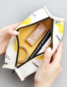 Cute Pencil Case, Pencil Pouch, Pencil Cases, Korean School Supplies, Cute School Supplies, Stationary Supplies, Cute Stationary, Kawaii Pens, Cool Journals