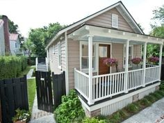 VRBO.com #232857 - Charleston Carriage House // ***VERY CLOSE to Robert Lange Gallery // 2 br (1 king + 1 queen) // 2 bath