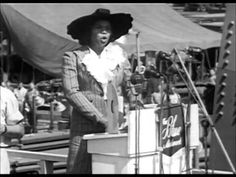 Marian Anderson Sings the Star Spangled Banner Lincoln Memorial 1939 Marian Anderson, Musical Film, Vocal Range, Fierce Women, Star Spangled Banner, Lincoln Memorial, Booker T, 18th Century, The Voice