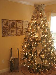 Paka's Collection: Christmas Joy!!! Burlap Inspired Christmas Tree! Vintage Rustic Cozy Christmas