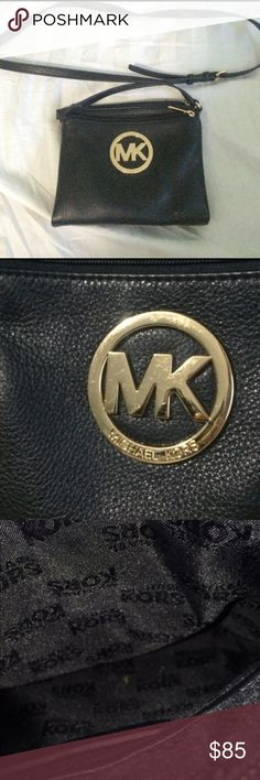 MIchael Kors Crossbody Authentic Michael Kors crossbody purse.  Gently Used with some scratches on gold piece. Michael Kors Bags Crossbody Bags