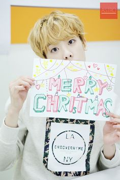 The little tiny 'S' on the bottom! XD Just when I thought Sanha couldn't get more adorable ^_^