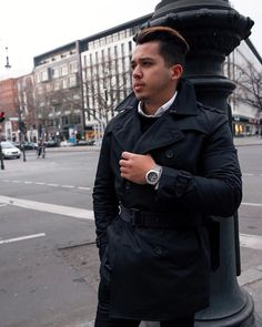 Love this #trench by @bananarepublic - it was always sold out on their website but I finally got mine  also wearing my @luminoxworld #f22watch  #bananarepublic #luminox #ootd #menfashion . -------------------- Adoro essa jaqueta trench da @bananarepublicmens  sempre que eu ia no site estava esgotado mais finalmente consegui o meu  e tambem usando meu relogio f-22 da @luminoxworld #modamasculina #lookdodia #berlin ------- #fashionblogger #fashionblog #fashionbloggers #mensfashionblog…