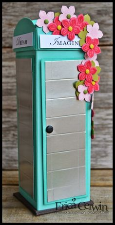 Flower Phone Booth! http://pinkbuckaroodesigns.blogspot.com/2014/03/flower-phone-booth.html