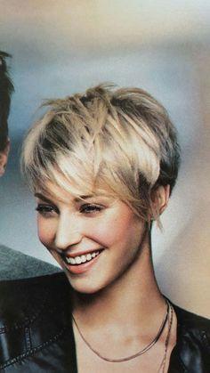 Haircut For Thick Hair, Pixie Haircut, Wavy Hair, Blonde Hair, Short Curly Styles, Short Hair Cuts, Curly Hair Styles, Pixie Hairstyles, Cute Hairstyles