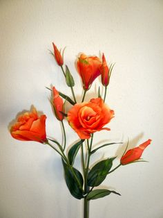 Lisianthus- tis my favorite flower and oooo in my favorite color too!